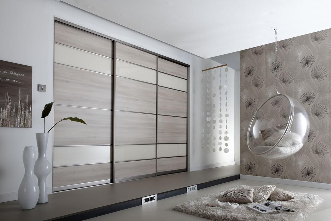 Дизайн двери для встроенного шкафа купе